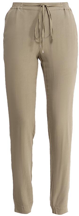 Брюки женские Sela, цвет: темный хаки. P-115/829-7224. Размер 42P-115/829-7224Стильные брюкиSela, изготовленные из качественной вискозы, станут отличным дополнением гардероба в летний период. Брюки силуэта морковь (свободные на бедрах, с зауженными к низу штанинами) и стандартной посадки на талии имеют широкий пояс на мягкой резинке, дополнительно регулируемый шнурком. Низ брючин дополнен разрезами. Спереди модель дополнена двумя втачными карманами.