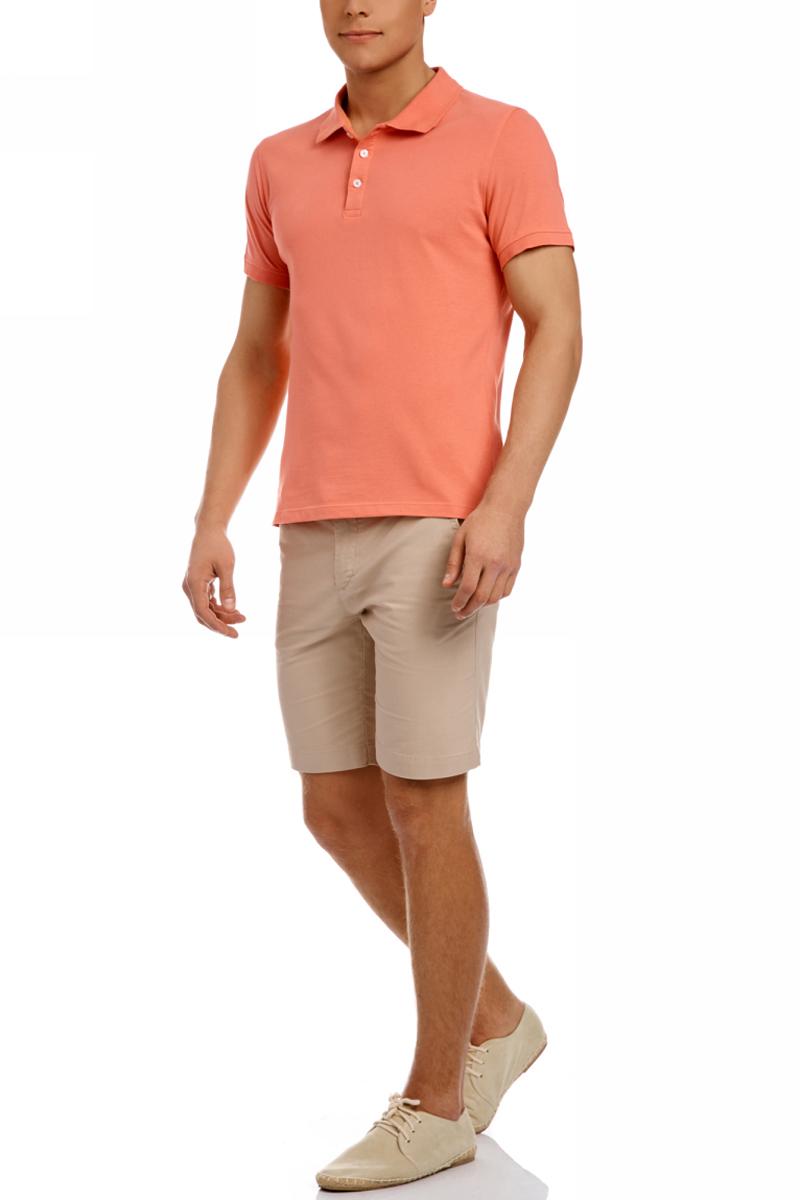 Поло мужское oodji, цвет: коралловый. 5B422001M/44032N/4300N. Размер M (50)5B422001M/44032N/4300NСтильное мужское поло от oodji, изготовленное из натурального хлопка пике, позволяет коже дышать. Модель с короткими рукавами и отложным воротником застегивается спереди на три пуговицы. Манжеты рукавов дополнены трикотажными резинками.