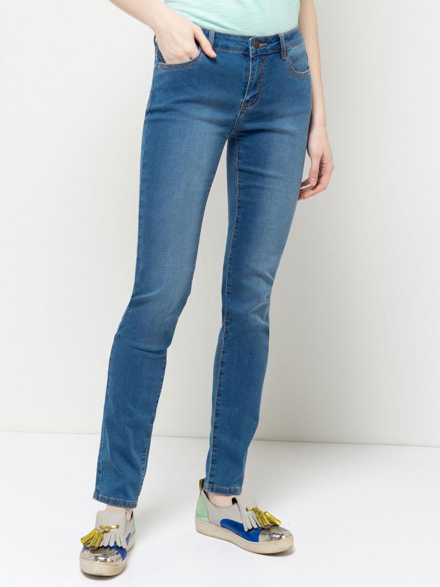 Джинсы женские Sela Denim, цвет: синий джинс. PJ-135/591-7161. Размер 33-34 (50-34)PJ-135/591-7161Стильные джинсыSela, изготовленные из качественного материала с потертостями, станут отличным дополнением вашего гардероба. Джинсы зауженного кроя и стандартной посадки на талии застегиваются на застежку-молнию и пуговицу. На поясе имеются шлевки для ремня. Модель представляет собой классическую пятикарманку: два втачных и накладной карманы спереди и два накладных кармана сзади.