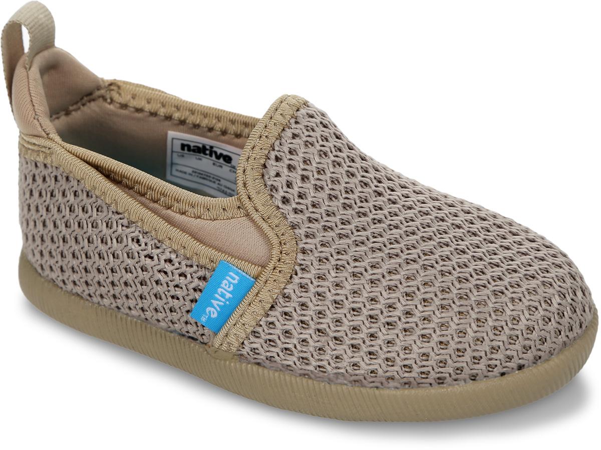 Слипоны детские Native Cruz Child, цвет: бежевый. 23104700-2108. Размер C7 (22)23104700-2108Стильные слипоны Cruz Child от Native - отличный выбор для вашего непоседы. Модель выполнена из текстиля с вязаным эффектом. На подъеме предусмотрены эластичные вставки для лучшего прилегания обуви к ноге. Мягкая внутренняя поверхность и текстильная стелька создают комфорт придвижении. Легкая резиновая подошва имеет отличную амортизацию. Рифление на подошве гарантирует отличное сцепление с любыми поверхностями. Модные и удобные слипоны займут достойное место в гардеробе каждого ребенка.