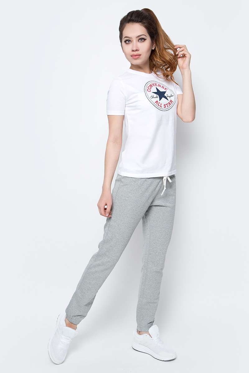 Брюки спортивные женские Converse Knitted Pant, цвет: серый. 10003924035. Размер S (44)10003924035Женские спортивные брюки Converse изготовлены из натурального хлопка. Модель на широкой эластичной резинке и шнурке на талии. Низы брючин дополнены резинками. Такие брюки незаменимая вещь в спортивном и летнем гардеробе. Прекрасный выбор для занятий фитнесом или активного отдыха.