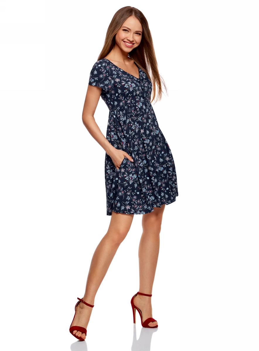 Платье oodji Ultra, цвет: темно-синий, красный, цветы. 11913045/46858/7945F. Размер 34-170 (40-170)11913045/46858/7945FПлатье из вискозы на пуговицах