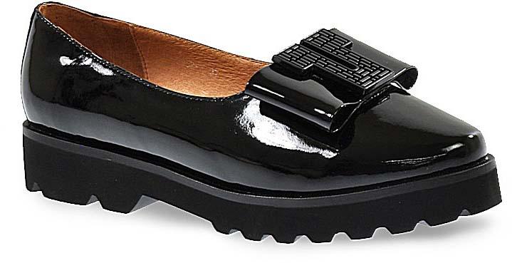Туфли женские Vera Victoria Vito, цвет: черный. 15-5952-1. Размер 3715-5952-1Стильные женские туфли от Vera Victoria Vito не оставят вас незамеченной! Модель выполнена из натуральной лаковой кожи и дополнена крупным декоративным элементом на носке. Подошва с крупным рифлением гарантирует отличное сцепление с любой поверхностью.