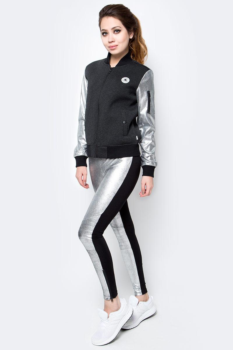 Куртка женская Converse Jacket, цвет: черный, серый. 10003352001. Размер M (46)10003352001Женская куртка Converse изготовлена из качественной смесовой ткани. Модель с длинными рукавами и воротничком-стойкой застегивается на молнию. По бокам расположены врезные карманы на кнопках, низ куртки и манжеты рукавов дополнены резинками. Рукава контрастного цвета, на одном имеется карман на застежке-молнии.