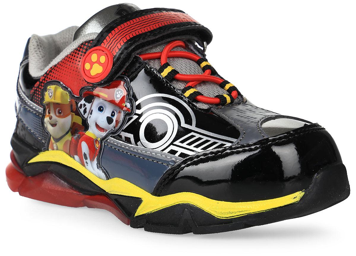 Кроссовки для мальчика Kakadu Paw Patrol, цвет: черный. 6754A. Размер 256754AОдна из популярных моделей обуви весенне-летнего сезона - кроссовки для мальчиков со светодиодами. Встроенный одноразовый аккумулятор позволяет наслаждаться красотой подошвы до 500 тысяч включений. Подошва из термопластичной резины понравится любителям долгих прогулок из-за своей легкости и гибкости. Современные технологии и красочный дизайн с персонажами мультфильма Paw Patrol не смогут оставить равнодушными не только детей, но и их родителей. Кроссовки со светодиодами для мальчиков отличаются хлопковой подкладкой и съемной стелькой, что обеспечивает более удобный уход за обувью и комфорт для маленьких ножек.