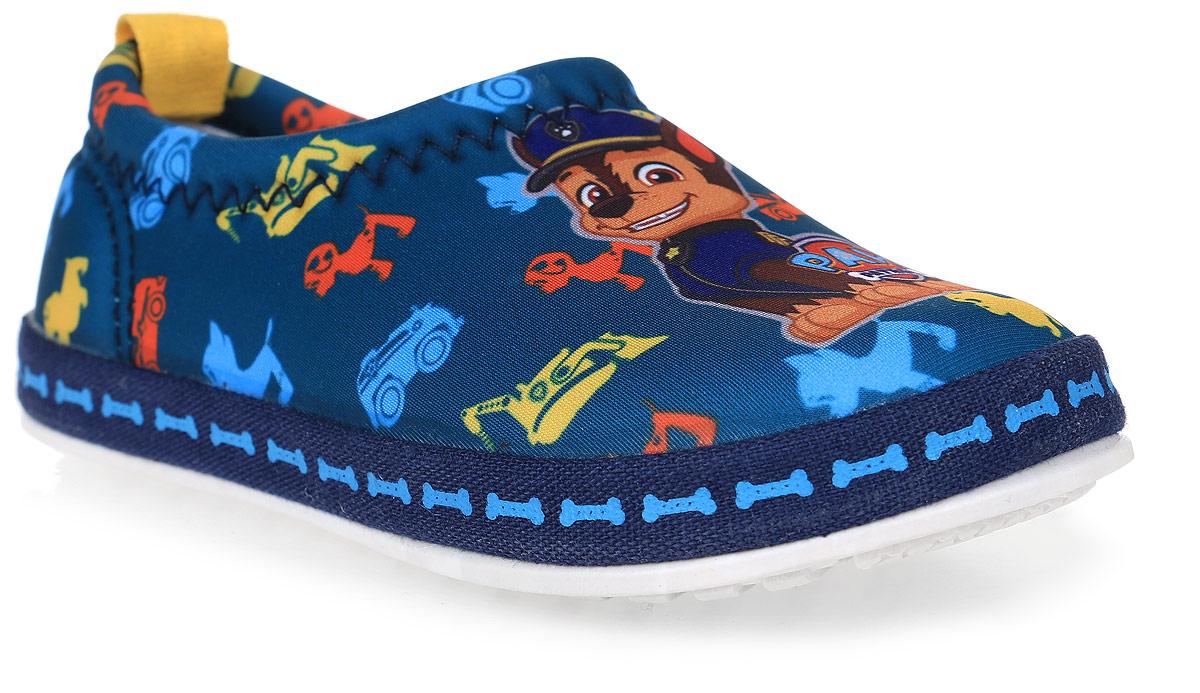 Слиперы для мальчика Kakadu Paw Patrol, цвет: темно-синий. 6682A. Размер 286682AСтильные слиперы Paw Patrol от Kakadu - отличный выбор для юного модника. Модель выполнена из текстиля и оформлена принтом с изображением героев мультсериала Щенячий патруль. Внутренняя поверхность из мягкого хлопка создает комфорт при движении. Съемная анатомическая стелька обеспечивает правильную фиксацию стопы, удобна в эксплуатации и позволяет быстро просушивать обувь. Мягкая подошва из ПВХ имеет отличную амортизацию, благодаря чему снижается нагрузка на суставы и позвоночник. Рифление на подошве гарантирует отличное сцепление с любыми поверхностями. Модные и удобные слиперы займут достойное место в гардеробе каждого ребенка.