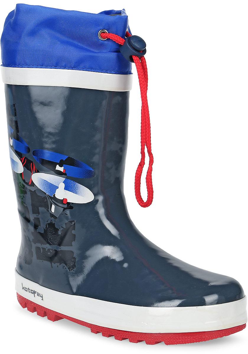 Сапоги резиновые для мальчика Котофей, цвет: серый, синий. 566120-11. Размер 34566120-11Резиновые сапоги от Котофей - идеальная обувь в холодную дождливую погоду для вашего мальчика. Сапоги выполнены из высококачественной резины. Боковая сторона голенища оформлена оригинальным принтом. Подкладка и стелька из текстиля обеспечат комфорт. Текстильный верх голенища регулируется в объеме за счет шнурка со стоппером. Подошва дополнена рифлением.
