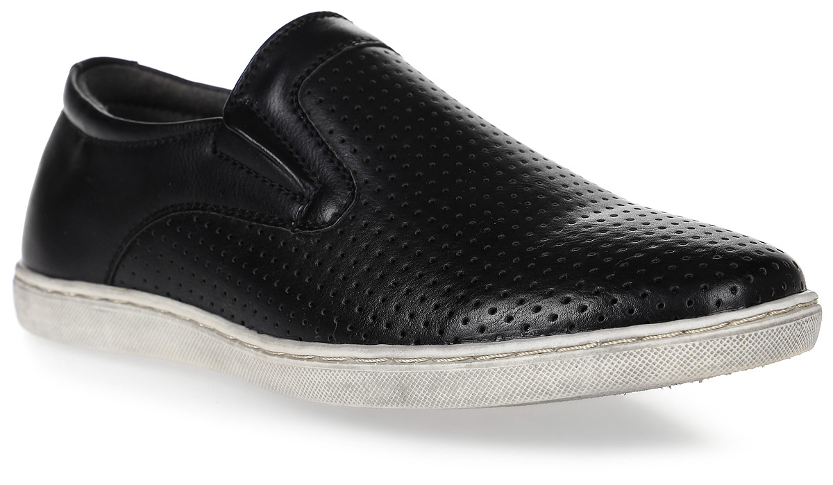 Туфли для мальчика Kakadu, цвет: черный. 6054A. Размер 356054AСтильные туфли от Kakadu придутся по душе, как юным модникам, так и их заботливым родителям. Модель выполнена из искусственной кожи с перфорацией. Стелька из натуральной кожи гарантирует удобство и комфорт. Подошва из термопластичной резины обеспечит легкость и естественную свободу движений.