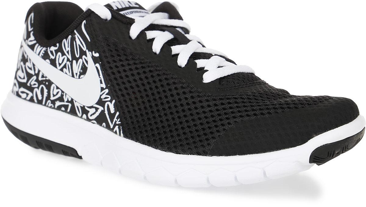 Кроссовки для девочки Nike Flex Experience 5 Print (Gs) Running Shoe, цвет: черный, белый. 844988-001. Размер 6 (38)844988-001Модные кроссовки для девочки Flex Experience 5 Print (Gs) Running Shoe от Nike, выполненные из натуральной кожи и сетчатого текстиля, оформлены бесшовными накладками из ПВХ. Подкладка и стелька из текстиля обеспечивают комфорт. Шнуровка надежно зафиксирует модель на ноге. Подошва дополнена рифлением.