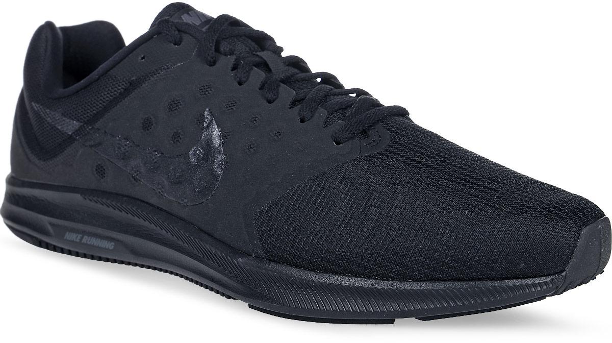 Кроссовки для бега мужские Nike Downshifter 7, цвет: черный. 852459-001. Размер 12,5 (47)852459-001Модные мужские кроссовки для бега Downshifter 7 от Nike выполнены из текстиля и дополнены бесшовными накладками. Подкладка и стелька из текстиля обеспечивают комфорт. Шнуровка надежно зафиксирует модель на ноге. Эластичная полноразмерная подошва из материала Phylon оснащена резиновой подметкой для прочности и оптимального сцепления с поверхностью. Эластичные желобки обеспечивают естественную свободу движений от носка до пятки.