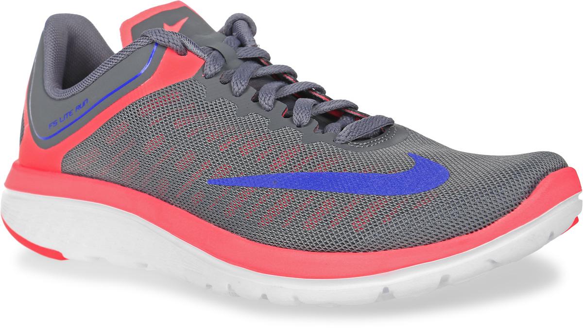 Кроссовки для бега женские Nike Fs Lite Run 4, цвет: серый, коралловый. 852448-005. Размер 8 (39)852448-005Женские кроссовки для бега Fs Lite Run 4 от Nike выполнены из сетчатого текстиля с полимерными бесшовными накладками. Подкладка и стелька из текстиля комфортны при движении. Шнуровка надежно зафиксирует модель на ноге. Конструкция Breathe Tech обеспечивает поддержку средней части стопы. Анатомическое расположение резиновых вставок обеспечивает амортизацию в передней части стопы, гибкие желобки делают движения более плавными и четкими.