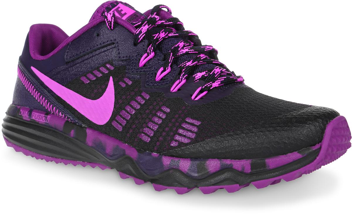 Кроссовки для бега женские Nike Dual Fusion Trail 2, цвет: черный, фиолетовый. 819147-006. Размер 8 (39)819147-006Женские кроссовки для бега Dual Fusion Trail 2 от Nike, выполненные из дышащего сетчатого текстиля и натуральной кожи, дополнены бесшовными полимерными накладками. Подкладка из текстиля и стелька из плотного материала Phylon комфортны при движении. Материал Sandwich Mesh с динамическим каркасом для превосходной посадки и поддержки. Подошва дополнена рифлением.