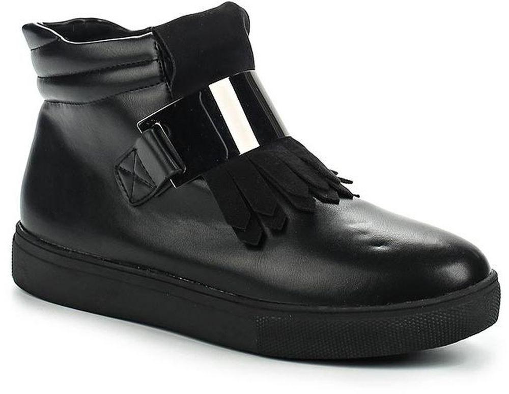 Ботинки женские Vivian Royal, цвет: черный. J1051-1. Размер 39J1051-1Стильные женские ботинки от Vivian Royal выполнены из искусственной кожи. Подкладка и стелька из байки обеспечат комфорт. Застегивается модель на боковую застежку-молнию. Подошва дополнена рифлением.
