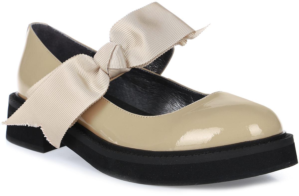 Туфли женские Graciana, цвет: бежевый. T209-T18-2. Размер 36T209-T18-2Женские туфли от Graciana на плоской подошве выполнены из натуральной кожи. Модель фиксируется на ноге при помощи ремешка на липучке, декорированного бантиком. Подкладка, изготовленная из натуральной кожи, обладает хорошей влаговпитываемостью и естественной воздухопроницаемостью. Стелька из натуральной кожи гарантирует комфорт и удобство стопам. Подошва из полимерного термопластичного материала обеспечивает хорошую амортизацию и сцепление с любой поверхностью.