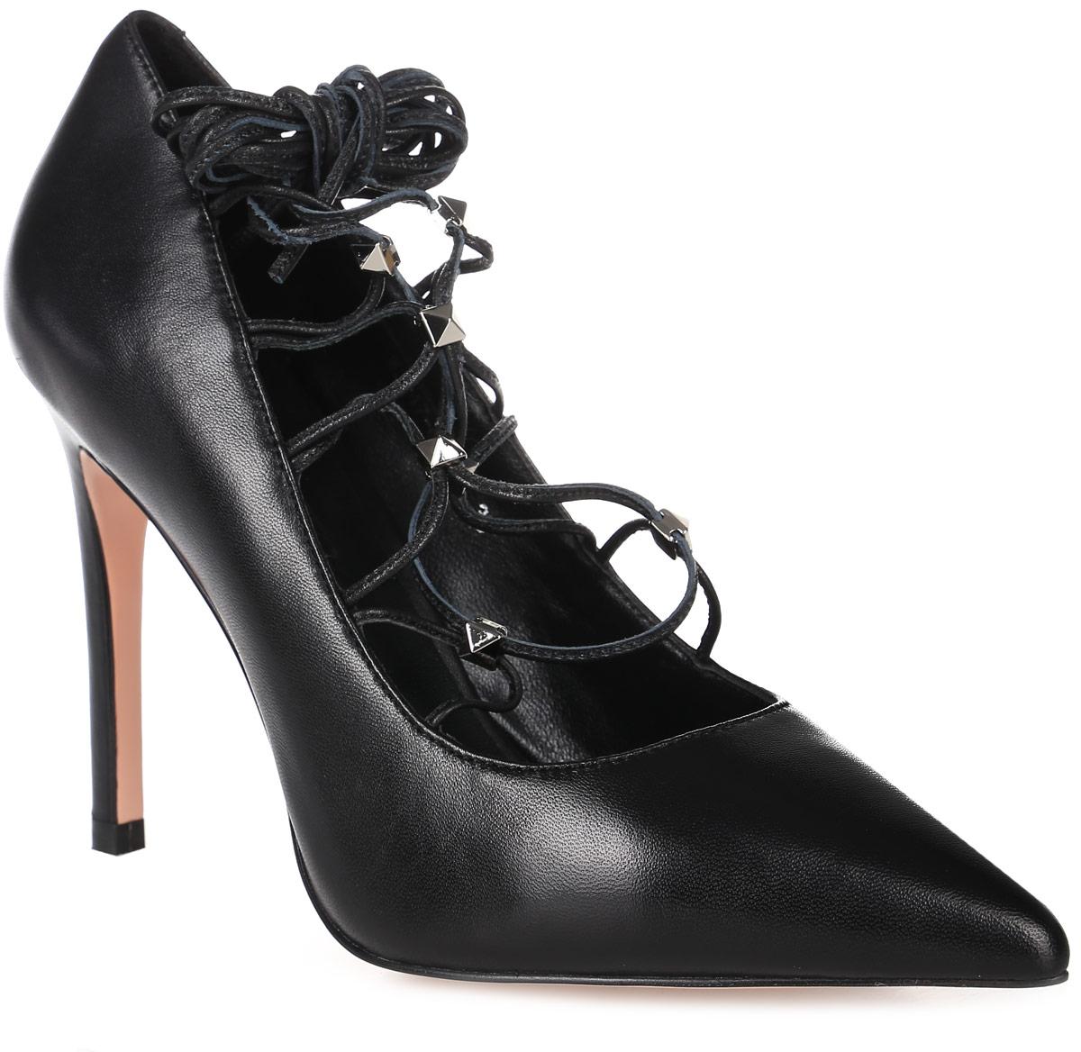 Туфли женские Graciana, цвет: черный. W2247-C01-2. Размер 35W2247-C01-2Женские туфли-лодочки от Gracianaс оригинальной шнуровкой на шпильке выполнены из натуральной кожи. Подкладка, изготовленная из натуральной кожи, обладает хорошей влаговпитываемостью и естественной воздухопроницаемостью. Стелька из натуральной кожи гарантирует комфорт и удобство стопам. Подошва из резины обеспечивает хорошую амортизацию и сцепление с любой поверхностью.