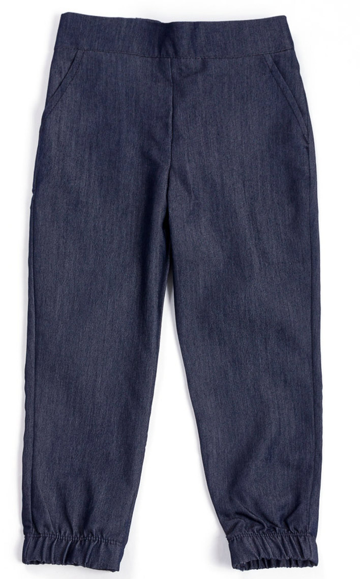 Брюки для девочки Mark Formelle, цвет: темно-синий. 2021-9_15623. Размер 1102021-9_15623Стильные брюки Mark Formelle для девочки идеально подойдут вашей маленькой моднице. Изделие изготовлено из вискозы с добавлением полиэстера и эластана, они не сковывают движения и обеспечивая наибольший комфорт. Стильные брюки на мягкой резинке с имитацией карманов. Низ брючин дополнен резинкой. Практичные брюки идеально подойдут вашей малышке и позволят ей комфортно чувствовать себя в течение дня!