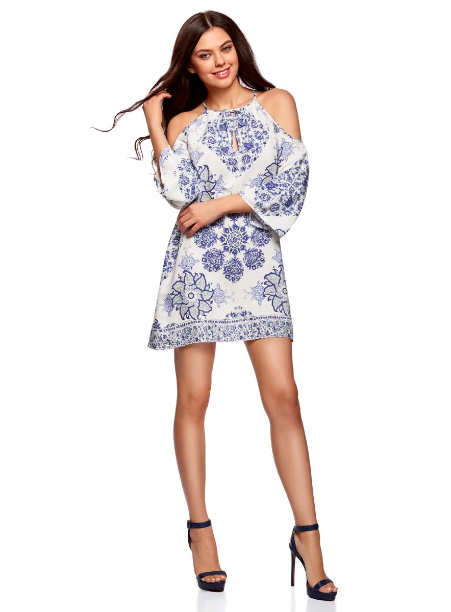 Платье oodji Ultra, цвет: белый, синий. 11900224/42800/1275E. Размер 36/170 (42-170)11900224/42800/1275EПлатье принтованное с разрезами на плечах