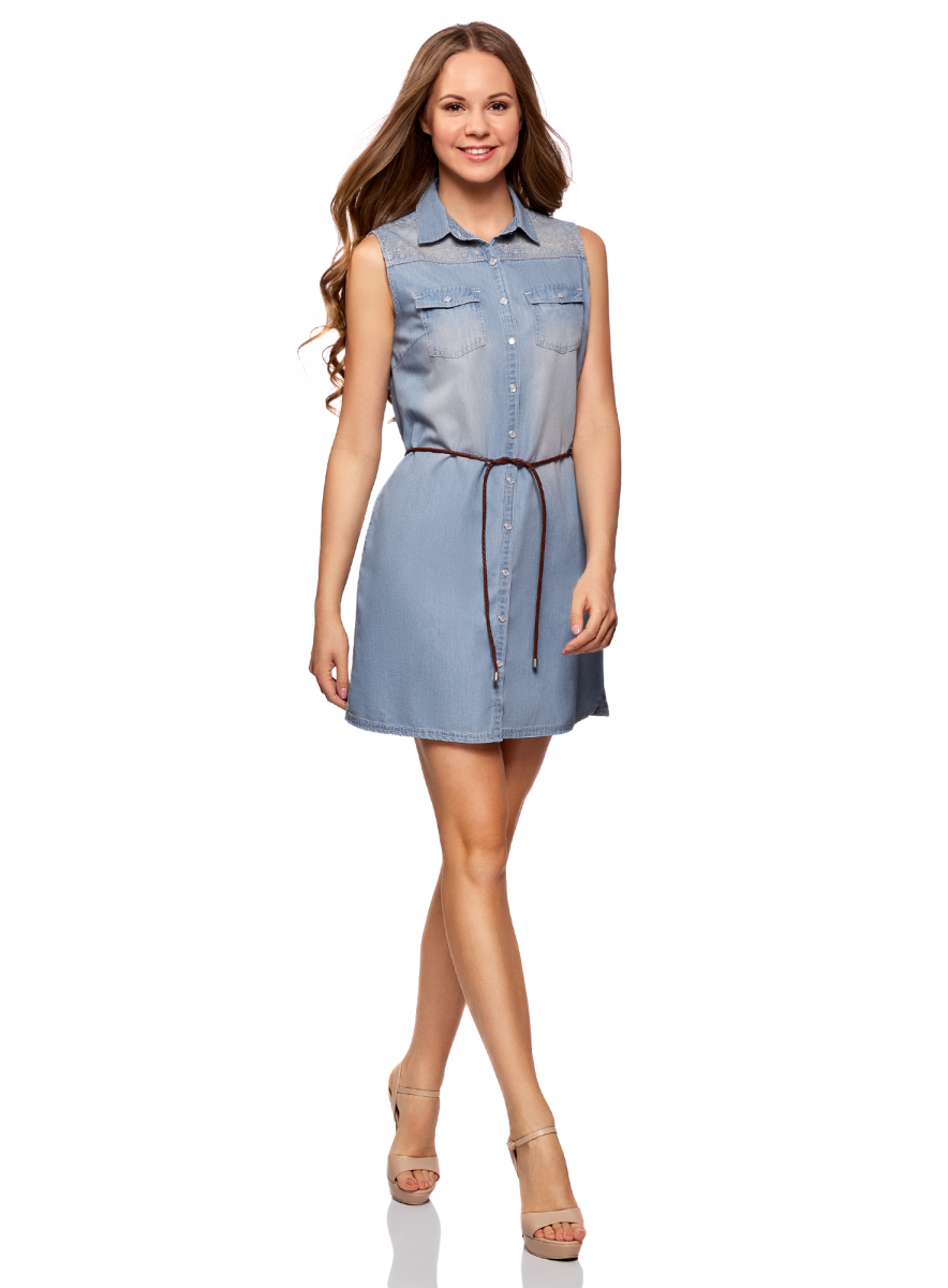 Платье oodji Ultra, цвет: голубой джинс. 12909056/46790/7000W. Размер 36/170 (42-170)12909056/46790/7000WСтильное летнее платье, выполненное их хлопка и вискозы, застегивается на пуговицы по всей длине. Модель без рукавов и с отложным воротником спереди дополнено двумя нагрудными карманами. Комплектуется контрастным поясом.