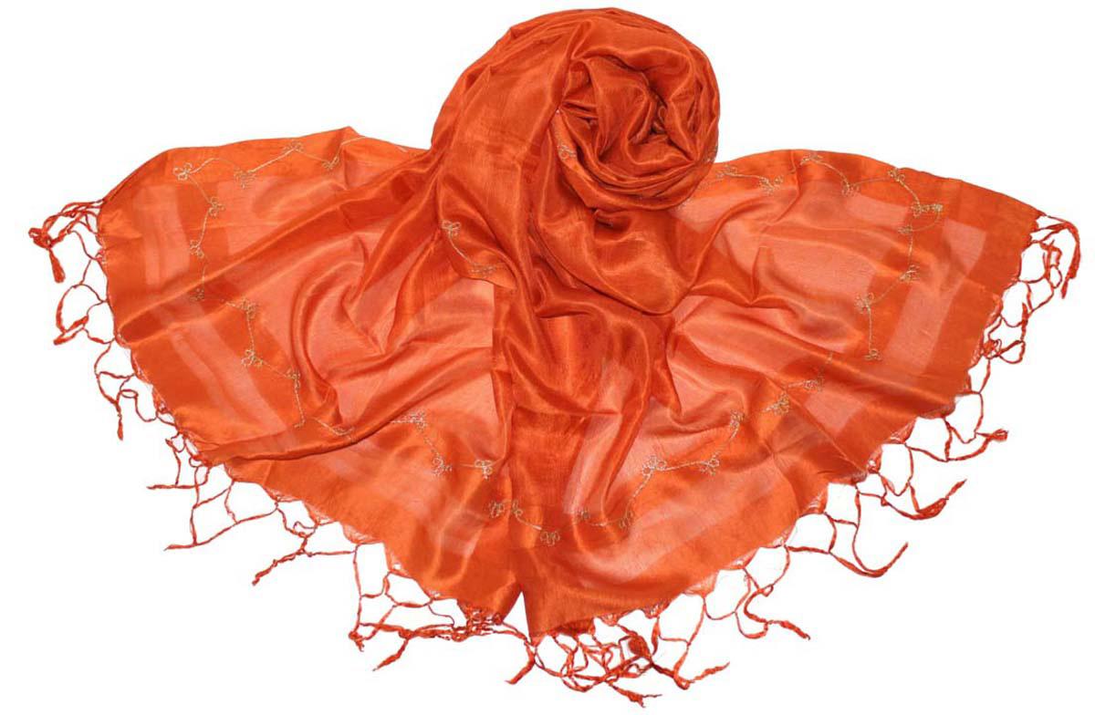 Шарф женский Ethnica, цвет: оранжевый. 916225. Размер 55 см х 180 см916225Стильный шарф привлекательной расцветки с кисточками по краю изготовлен из 100% шелка. Он удачно дополнит ваш гардероб и поможет создать новый повседневный образ, добавить в него яркие краски. Отличный вариант для тех, кто стремится к самовыражению и новизне!