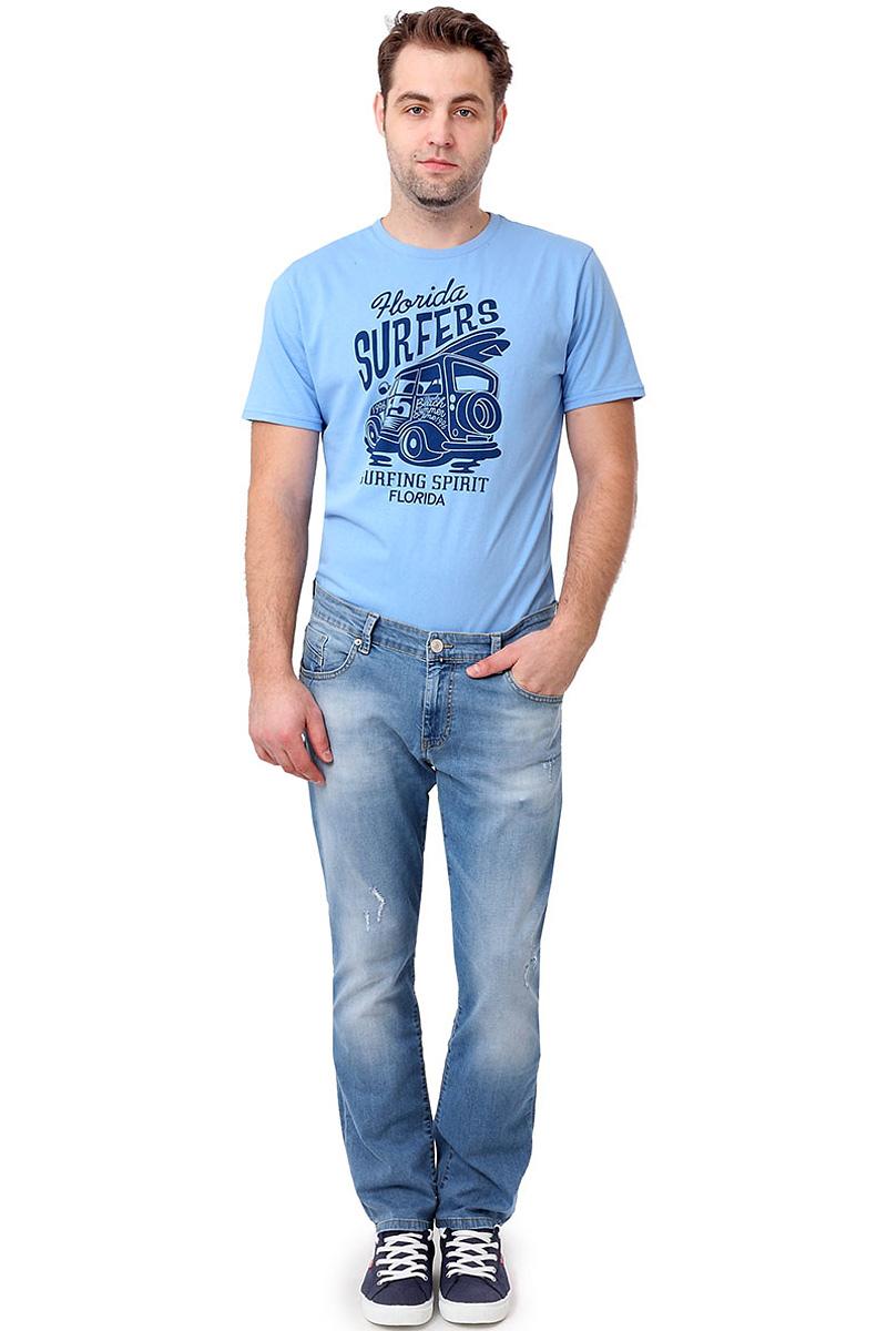 Джинсы мужские F5, цвет: голубой. 14464_09621. Размер 29-34 (44/46-34)14464_09621, Blue denim P-7 str., w.lightСтильные мужские джинсы F5 выполнены из хлопка с небольшим добавлением эластана. Застегиваются джинсы на пуговицу в поясе и ширинку на застежке-молнии, имеются шлевки для ремня. Спереди модель оформлена двумя втачными карманами и одним небольшим секретным кармашком, а сзади - двумя накладными карманами. Джинсы украшены декоративными потертостями и прорезями.