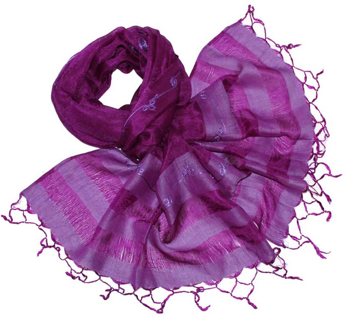 Шарф женский Ethnica, цвет: фиолетовый. 916225. Размер 55 см х 180 см916225Стильный шарф привлекательной расцветки с кисточками по краю изготовлен из 100% шелка. Он удачно дополнит ваш гардероб и поможет создать новый повседневный образ, добавить в него яркие краски. Отличный вариант для тех, кто стремится к самовыражению и новизне!