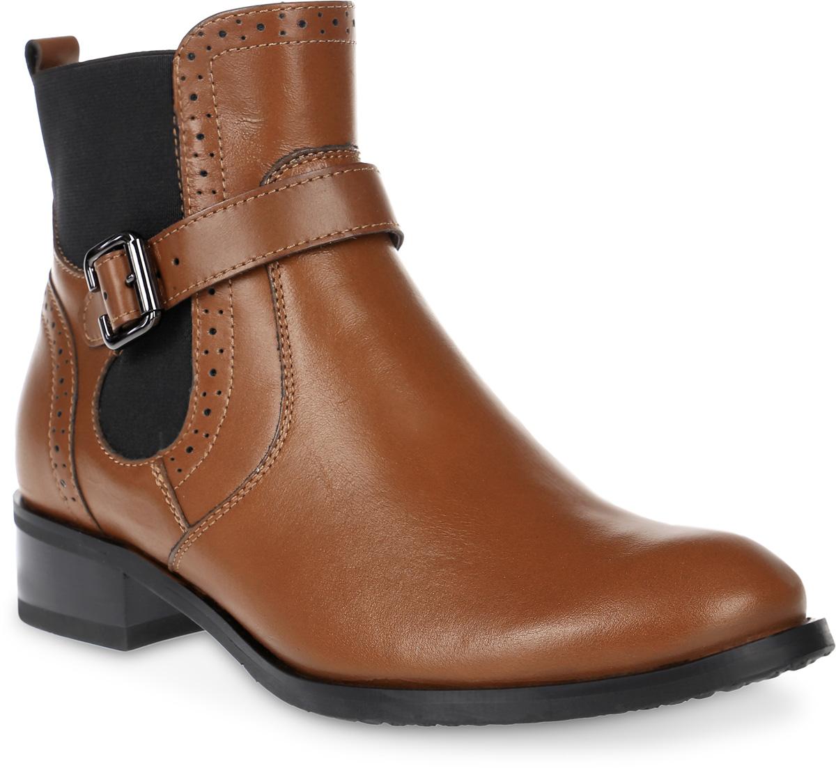 Ботинки женские Marko, цвет: коричневый. 12378. Размер 3712378Элегантные ботинки не оставят вас равнодушной благодаря своему дизайну и качеству. Модель изготовлена из натуральной кожи и дополнена устойчивым каблуком. Застежка-молния надежно зафиксирует модель на ноге.Внутренняя поверхность и стелька выполнены из текстиля, что обеспечивает комфорт. Подошва изготовлена из легкой и прочной резины, а ее рифление гарантирует отличное сцепление с любой поверхностью. Такие стильные ботинки подчеркнут вашу женственность и благородный стиль.