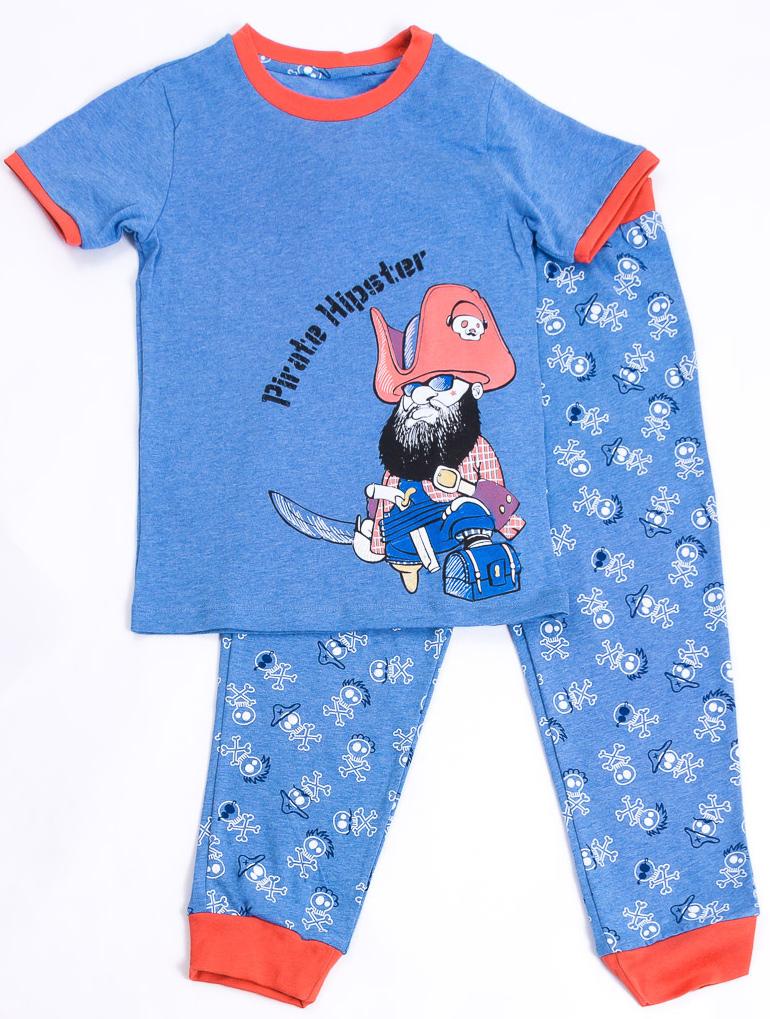 Пижама для мальчика Mark Formelle, цвет: синий, красный. 279-0_13396. Размер 92280-0_13396/279-0_13396/281-0_13396Пижама для мальчика Mark Formelle, состоящая из футболки с короткими рукавами и брюк, изготовлена из натурального хлопка. Футболка с круглым вырезом горловины оформлена принтом в виде пирата. Брюки на талии имеют эластичную резинку и оформлены принтом.