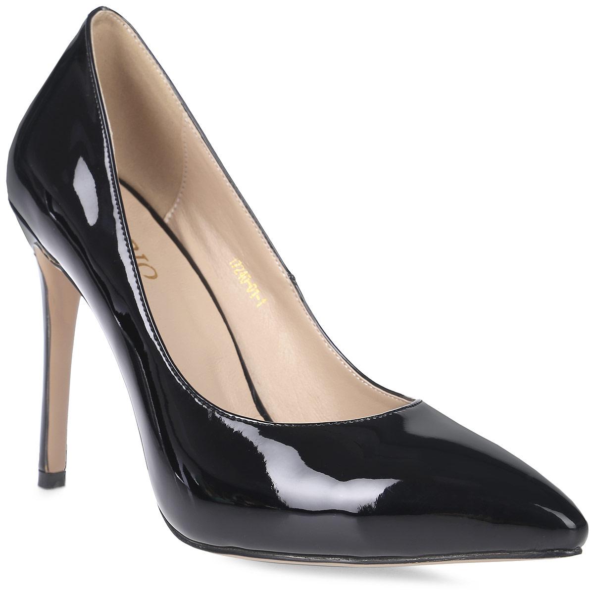 Туфли женские Inario, цвет: черный. 17240-01-1. Размер 3717240-01-1Туфли-лодочки Inario выполнены из искусственной лаковой кожи. Внутренняя поверхность и стелька из искусственной кожи обеспечат комфорт при движении. Подошва выполнена из полимера. Модель имеет острый мысок и высокий каблук-шпильку.