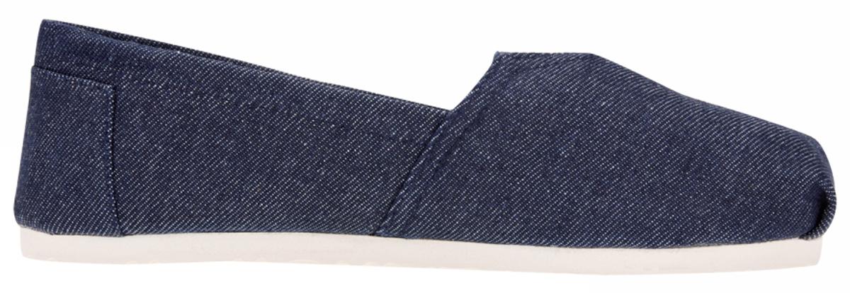 Слипоны женские oodji, цвет: темно-синий. 91DNO000W/42681/7900N. Размер 41 (40)91DNO000W/42681/7900NСтильные слипоны от oodji - отличный вариант на каждый день. Модель выполнена из качественного текстиля. На мыске предусмотрена эластичная вставка для удобства обувания. Стелька из текстиля обеспечивает комфорт при носке. Гибкая мягкая подошва гарантирует идеальное сцепление с разными поверхностями.