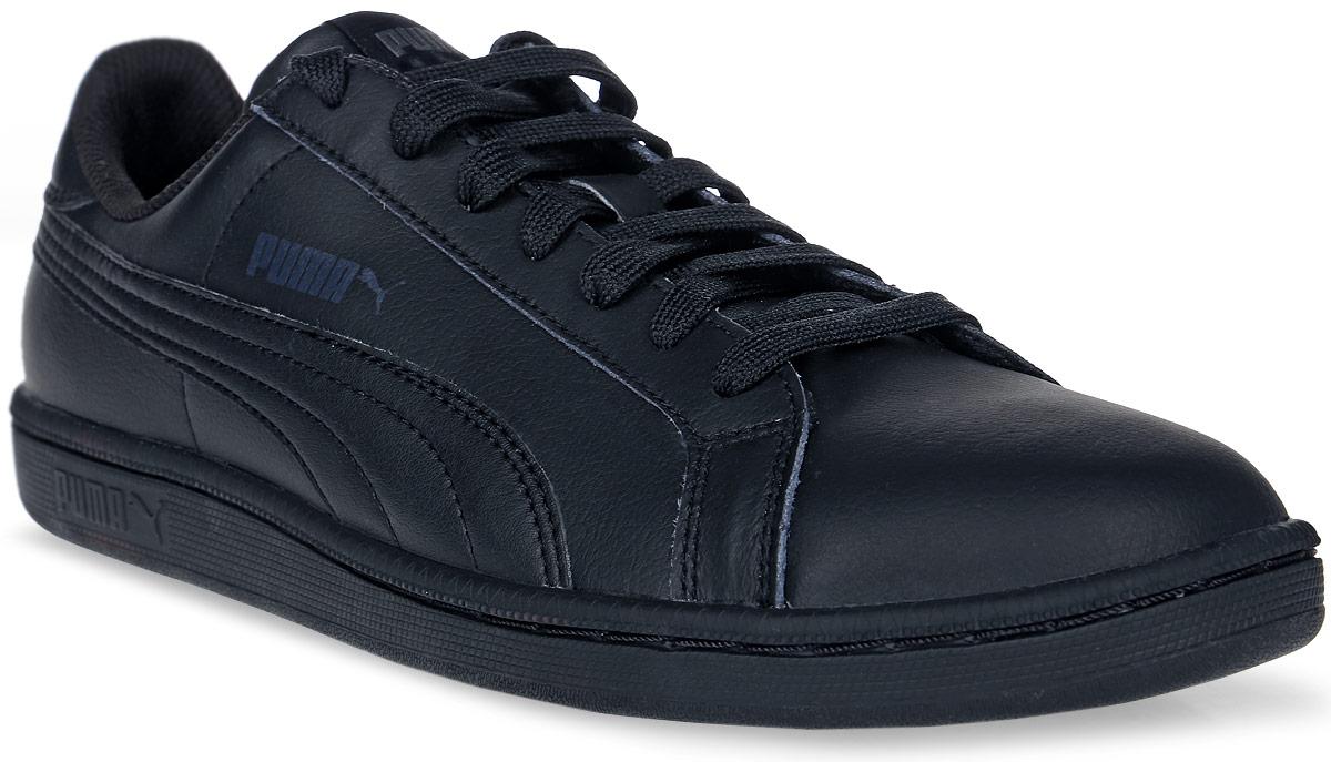 Кеды мужские Puma Smash L, цвет: черный. 35672204. Размер 10,5 (44)35672204Модель Smash L от PUMA сохраняет простоту и чистоту линий, свойственную классическим теннисным туфлям. Обувь фиксируется на ноге при помощи классической шнуровки. Верх из мягкой искусственной кожи с традиционной фирменной полосой придает модели нарядный и стильный облик и делает её отличным дополнением к повседневному гардеробу.