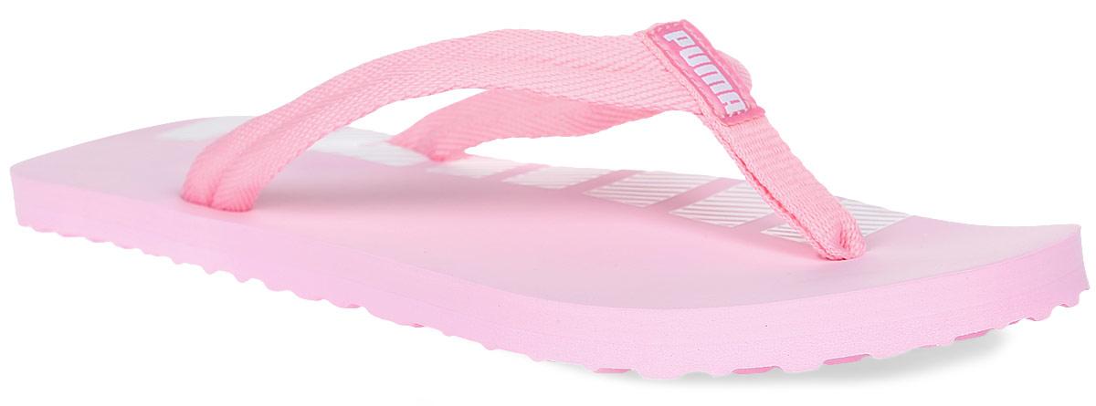 Сланцы женские Puma Epic Flip V2, цвет: розовый. 36024813. Размер 7 (39,5)36024813Всегда найдется место для новой пары сланцев! Epic Flip покажут себя с лучшей стороны в любой ситуации: на пляже, в бассейне или дома. Фиксирующий стопу мягкий текстильный ремешок не натирает кожу, а мягкая подошва представляет собой идеальный баланс амортизации и поддержки. Кроме того, они с легкостью поместятся в даже самый забитый чемодан или спортивную сумку.