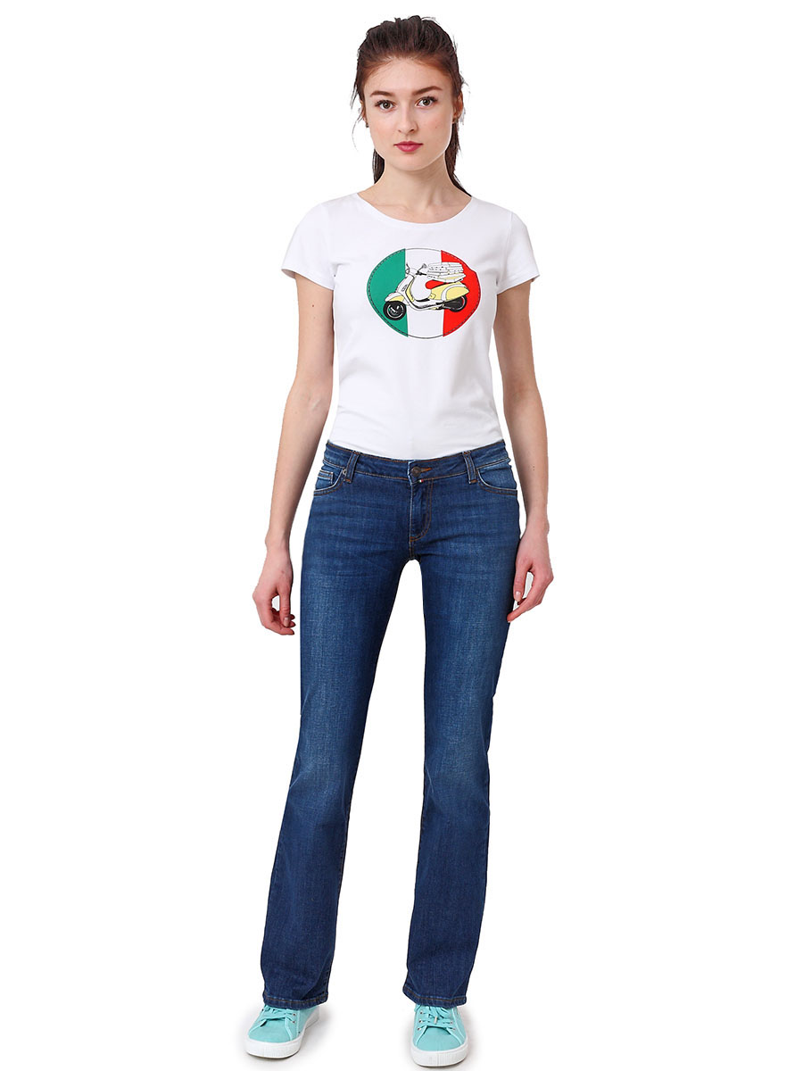 Джинсы женские F5, цвет: синий. 175028_1949. Размер 31-34 (46/48-34)175028_1949, Blue denim 11816 str., w.mediumЖенские джинсы F5 выполнены из высококачественного материала. Джинсы застегиваются на пуговицу в поясе и ширинку на застежке-молнии, дополнены шлевками для ремня. Джинсы имеют классический пятикарманный крой: спереди модель дополнена двумя втачными карманами и одним маленьким накладным кармашком, а сзади - двумя накладными карманами. Джинсы дополнены логотипом бренда и контрастной прострочкой.