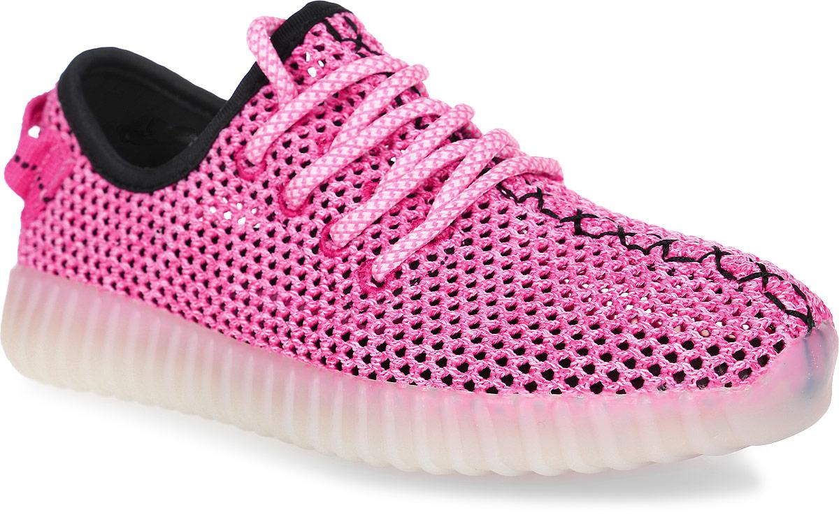 Кроссовки для девочек Patrol, цвет: розовый. 723-232T-17s-8-17. Размер 33723-232T-17s-8-17Стильные кроссовки от Patrol - отличный выбор для вашей юной модницы на лето. Верх модели выполнен из текстиля с перфорацией для воздухообмена.Классическая шнуровка на подъеме обеспечивает надежную фиксацию обуви на ноге. На заднике предусмотрена текстильная петелька для удобства обувания. Подкладка и стелька из текстильного материала создают комфорт при носке. Подошва выполнена из легкого ТЭП-материала.Рифление на подошве обеспечивает отличное сцепление с любой поверхностью.Модные и комфортные кроссовки - необходимая вещь в гардеробе каждого ребенка.