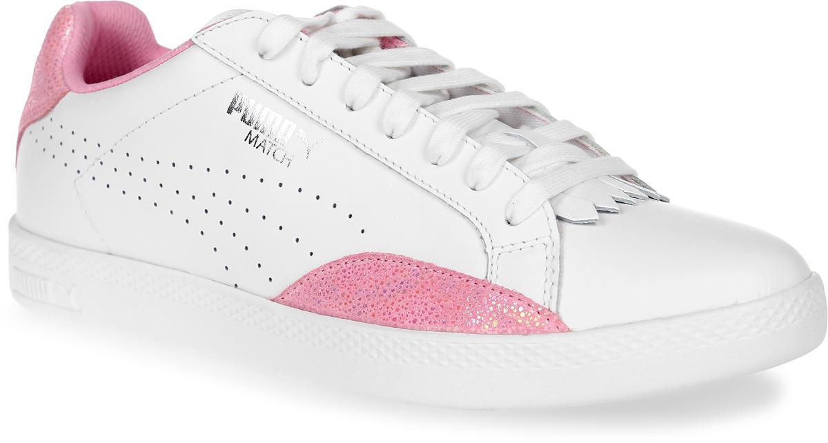 Кеды женские Puma Match Lo Reset Wn S, цвет: белый, розовый. 36272401. Размер 4 (36)36272401Модель Match сохраняет простоту и чистоту линий, свойственную классическим теннисным туфлям вообще, и, в частности, легендарным Puma Match коллекции 1974 года. Двойные кожаные накладки по бокам обеспечивают устойчивое положение стопы, так необходимое теннисисту. Обувь фиксируется на ноге при помощи классической шнуровки. Кожаный верх простых и чистых цветов снабжен деталями контрастной отделки на заднике и внизу ближе к носку, а также дополнительную накладку на носке, благодаря которой модель в её сегодняшнем варианте приобрела универсальность отличной уличной обуви.