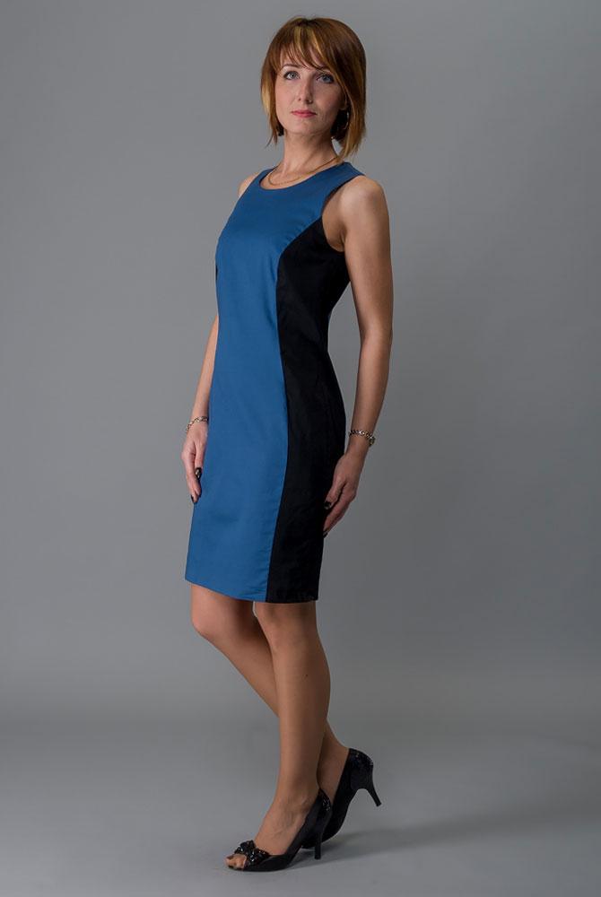 Платье Milton, цвет: синий. WD-2416V. Размер 44WD-2416VПлатье полуприлегающего силуэта без рукавов выполнено из трикотажа двух контрастных цветов. Модель застегивается на потайную застежку-молнию.
