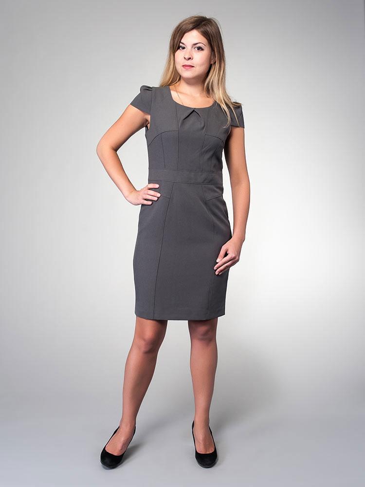 Платье Milton, цвет: серый. WD-2423V. Размер 42WD-2423VПлатье прилегающего силуэта отрезное по линии талии дополнено короткими рукавами в виде крылышек. По центру выреза горловины - встречная складка.
