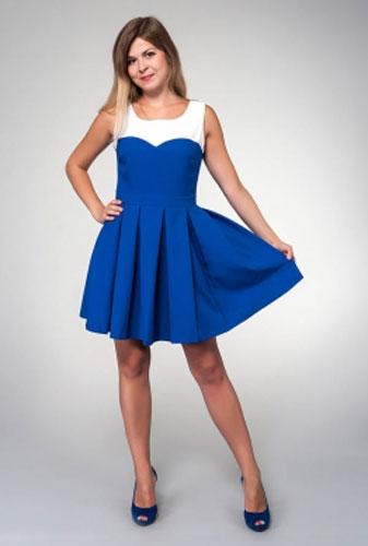 Платье Milton, цвет: синий. WD-2424V. Размер 48WD-2424VПлатье прилегающего силуэта, без рукавов, отрезное по линии талии. Юбка расклешенная со складками от талии. Лиф платья с фигурной кокеткой выполнен из контрастной белой ткани.