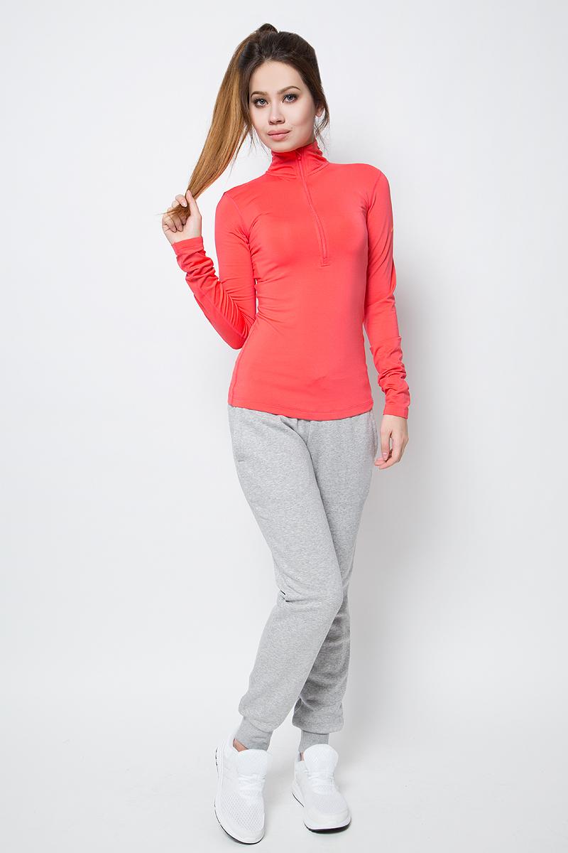 Лонгслив женский Nike Np Wm Top Ls Hz, цвет: коралловый. 803145-850. Размер M (44/46)803145-850Лонгслив от Nike выполнен из эластичного полиэстера. Модель с воротником-стойкой обеспечивает оптимальное тепло, воздухопроницаемость и свободу движений. Технология Nike Pro Hyperwarm обеспечивает зональную защиту от холода и отводит влагу от кожи. Молния для удобного переодевания. Модель имеет вырезы для больших пальцев и плоские швы.