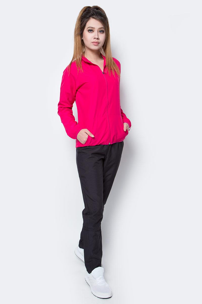 Костюм спортивный женский Puma Clean Woven Suit op W, цвет: розовый, черный. 59091521. Размер XS (40/42)59091521Костюм спортивный женский Clean Woven Suit op W отлично подойдет для тренировок, он обеспечит свободу движений и комфорт во время занятий. Костюм выполнен из 100% полиэстера. Куртка застегивается на молнию, имеет воротник-стойку, длинные рукава и боковые карманы. Боковые швы с нахлестом вперед обеспечивают полную свободу движений. Вставки на плечах и рукавах дополняют фирменный покрой. Задний подол удлинен и закруглен. Пояс брюк из эластичного материала снабжен затягивающимся шнуром. Штанины заужены. Куртка и брюки декорированы вышитым логотипом PUMA.