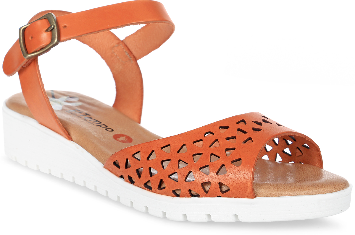 Сандалии женские El Tempo, цвет: оранжевый. EMR48_4251. Размер 36EMR48_4251_NARANJAСтильные женские сандалии от El Tempo изготовлены из натуральной высококачественной кожи и оформлены перфорированным узором. Ремешок с застежкой-пряжкой отвечает за надежную фиксацию модели на ноге. Длина ремешка регулируется за счет болта. Внутренняя поверхность и стелька выполнены из мягкой натуральной кожи, гарантирующей комфорт при движении. Умеренной высоты подошва изготовлена из резины и дополнена рифленой поверхностью.