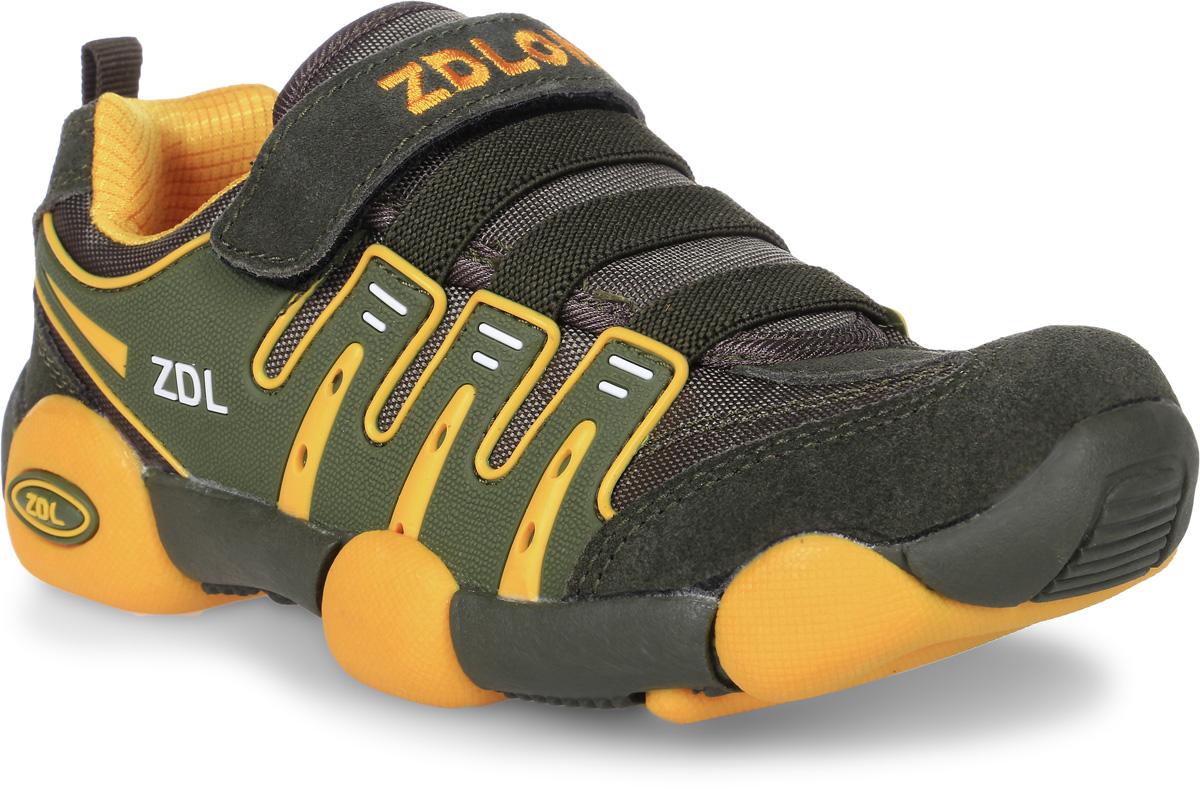Кроссовки для мальчика Buddy Dog, цвет: хаки, желтый. 7777. Размер 327777Кроссовки Buddy Dog, выполненные из текстиля с элементами из искусственной кожи ворсистой текстуры, оформлены фирменной вышивкой с надписью. На ноге модель фиксируется с помощью шнурков и эластичных резинок.Внутренняя поверхность и стелька выполнены из текстиля, комфортного при движении. Подошва изготовлена из прочного и гибкого полимера.Поверхность подошвы дополнена рельефным рисунком.
