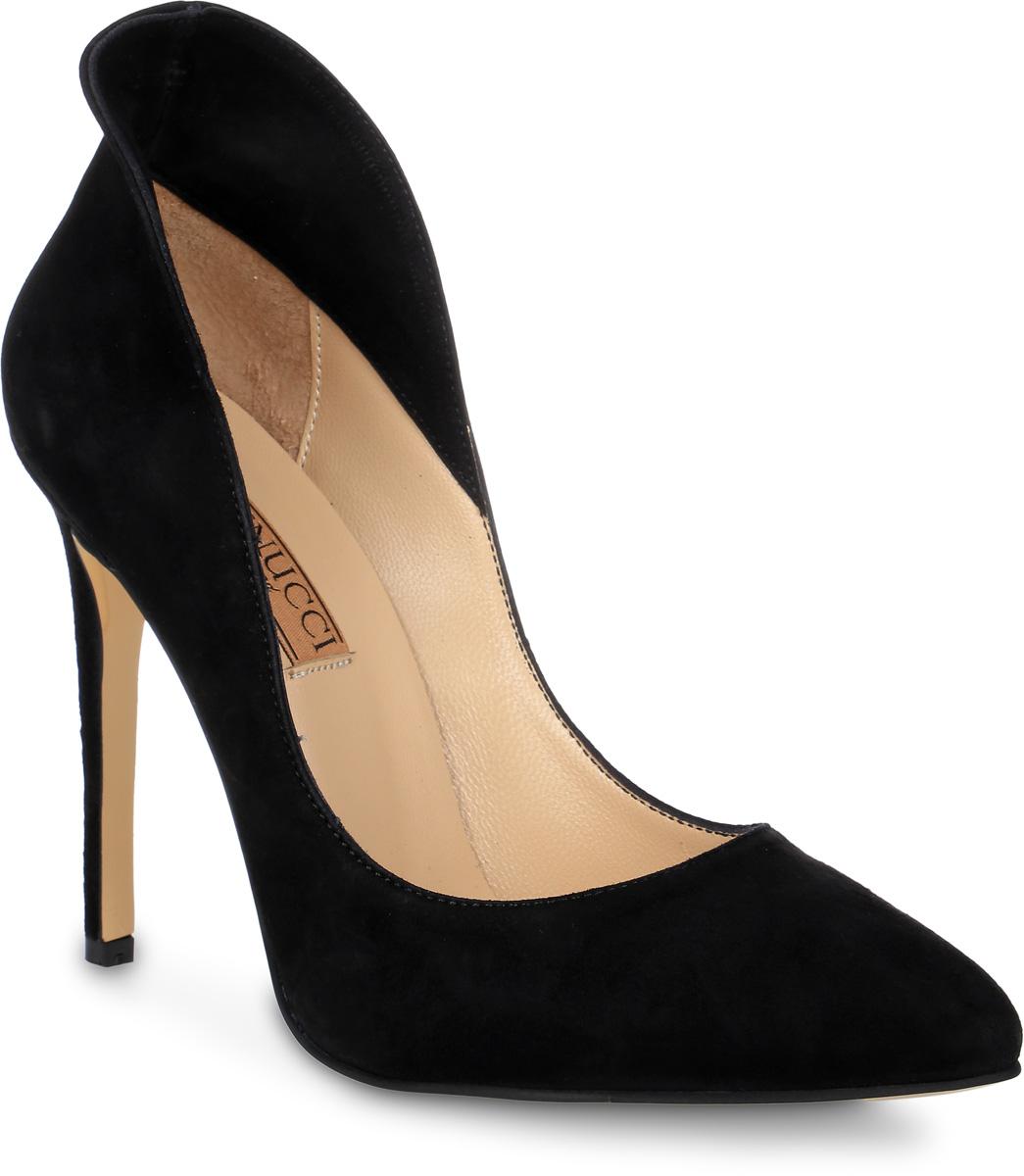 Туфли женские Benucci, цвет: черный. 5044. Размер 375044Изысканные женские туфли от Benucci поразят вас своим дизайном! Модель выполнена из натуральной замши. Подкладка и стелька - из натуральной кожипозволят ногам дышать и обеспечат максимальный комфорт при ходьбе. Зауженный носок добавит женственности в ваш образ. Высокий каблук-шпилька устойчив. Подошва с рифлением обеспечивает идеальное сцепление с любой поверхностью. Изысканные туфли добавят в ваш образ немного шарма и подчеркнут ваш безупречный вкус.