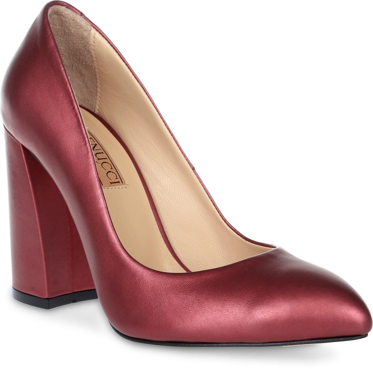 Туфли женские Benucci, цвет: марсала. 1202. Размер 401202Женские туфли от Benucci на устойчивом каблуке выполнены из натуральной кожи. Подкладка, изготовленная из натуральной кожи, обладает хорошей влаговпитываемостью и естественной воздухопроницаемостью. Стелька из натуральной кожи гарантирует комфорт и удобство стопам. Подошва из резины обеспечивает хорошую амортизацию и сцепление с любой поверхностью.