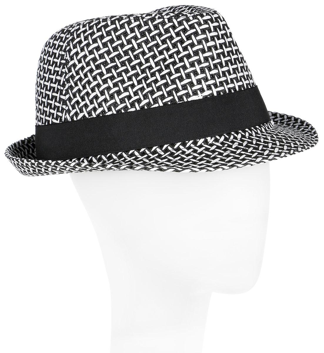 Шляпа мужская Canoe Griddle, цвет: белый. 1962400. Размер 591962400Летняя шляпа Canoe Griddle имеет оригинальную фактуру и непременно украсит любой наряд.Шляпа из искусственной соломы оформлена декоративной лентой с логотипом фирмы вокруг тульи. Благодаря своей форме, шляпа удобно садится по голове и подойдет к любому стилю. Шляпа легко восстанавливает свою форму после сжатия. Такая шляпа подчеркнет вашу неповторимость и дополнит ваш повседневный образ.