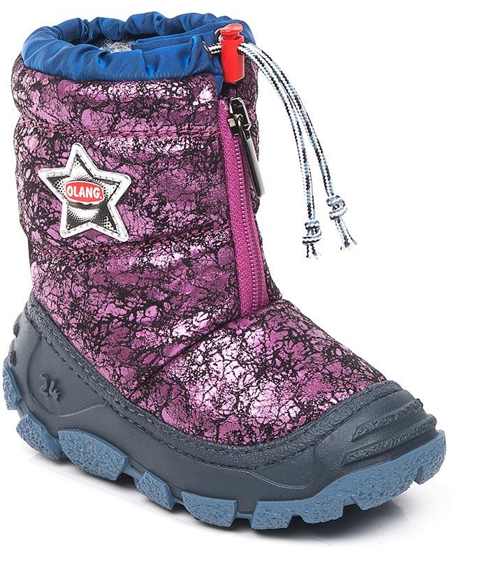 Дутики для девочки Olang, цвет: фуксия. Eolo 847. Размер 21/22Eolo 847Начните холодный сезон вместе с Olang! Сапоги будут радовать ребенка и защищать его ноги от влаги и холода. А специальная застежка-фиксатор в верхней части обуви предотвращает попадание снега и воды внутрь. Материал верха: текстиль, материал подклади: искусственный мех.