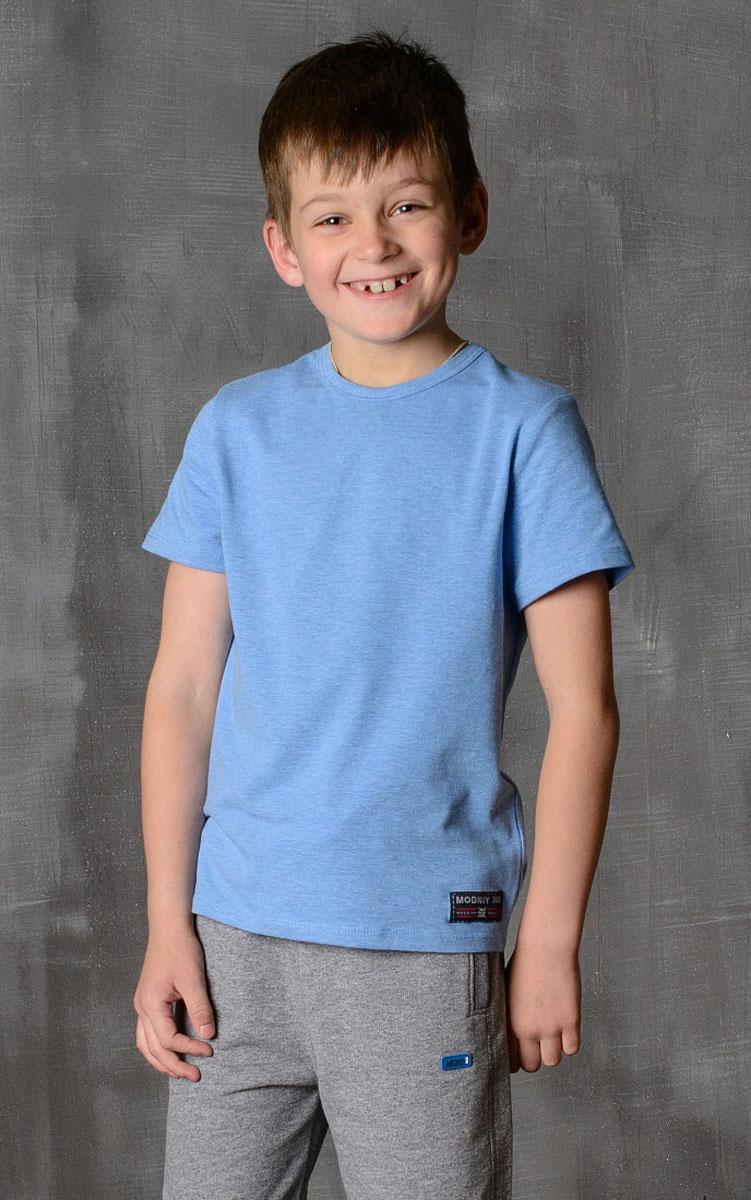 Футболка для мальчика Modniy Juk, цвет: голубой. 01B00110102. Размер 140/14601B00110102/MODNIY_/Стильная футболка для мальчика Modniy Juk изготовлена из высококачественного легкого хлопка, она приятна на ощупь, не раздражает нежную и чувствительную кожу ребенка, позволяя ей дышать. Модель имеет полуприлегающий силуэт, круглый вырез горловины не стесняет движения. Изделие дополнено ярким принтом в стиле Modniy Juk.