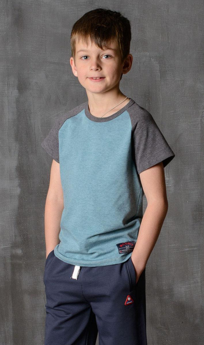 Футболка для мальчика Modniy Juk, цвет: зеленый, антрацитовый. 01B00140102. Размер 128/13401B00140102/MODNIY_/Стильная футболка для мальчика Modniy Juk изготовлена из высококачественного легкого хлопка, она приятна на ощупь, не раздражает нежную и чувствительную кожу ребенка, позволяя ей дышать. Модель имеет полуприлегающий силуэт, круглый вырез горловины, рукава реглан не стесняют движения.