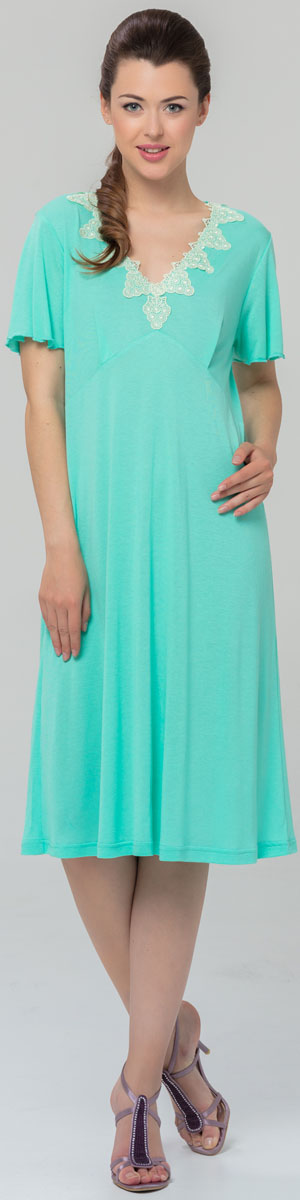 Ночная рубашка женская Tesoro, цвет: бирюзовый. 460С1. Размер 52460С1Женская сорочка Tesoro свободного кроя изготовлена из нежного вискозного полотна. Вырез груди декорирован изящным кружевом.