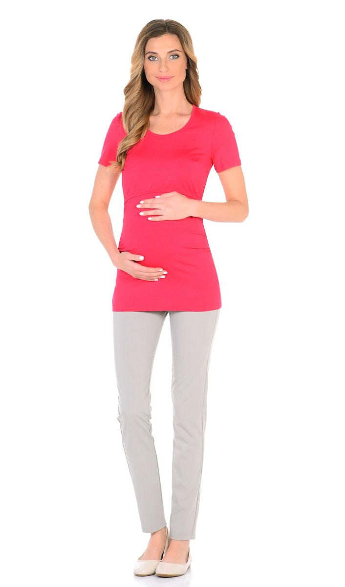 Футболка для беременнных и кормящих Nuova Vita, цвет: малиновый. 1214.22. Размер 481214.22Классическая удобная футболка для беременных и кормящих мам выполнена из вискозы с лайкрой. Удлиненная модель прикрывает спину, эластичная ткань не мнется, не растягивается и не деформируется после стирки. Футболка оснащена специальными складками для растущего животика, что очень удобно на последних месяцах беременности. Удобный секрет кормления, просто приподнимите верхнюю часть футболки. Также футболка отличается наличием спрятанных и мало ощутимых швов и вытачек.