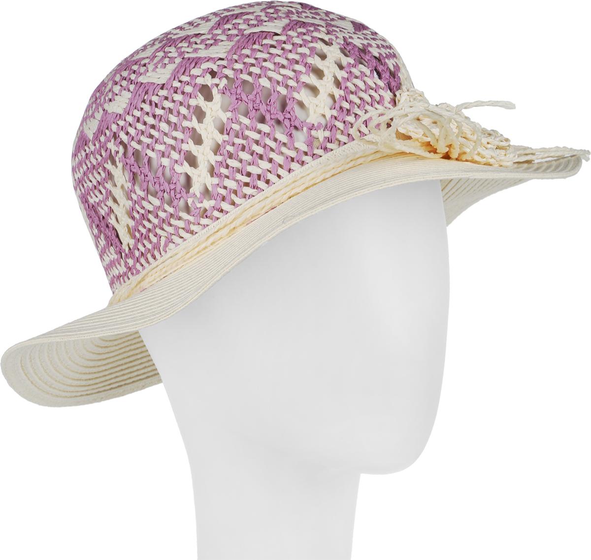 Шляпа женская R.Mountain Clara, цвет: светло-бежевый, сиреневый. 77-098-73. Размер S (55)77-098-73Летняя женская шляпа R.Mountain Clara станет незаменимым аксессуаром для пляжа и отдыха на природе. Такая шляпка не только защитит вас от солнца, но и станет стильным дополнением вашего образа.Шляпа оформлена небольшим металлическим логотипом фирмы и небольшим декоративным цветком. Плетение шляпы обеспечивает необходимую вентиляцию и комфорт даже в самый знойный день. Шляпа легко восстанавливает свою форму после сжатия.Эта элегантная легкая шляпка подчеркнет вашу неповторимость и дополнит ваш повседневный образ.